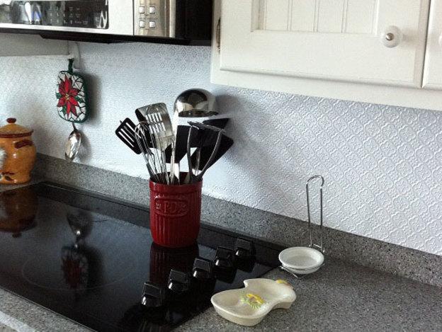 رول چسبی دیوار آشپزخانه