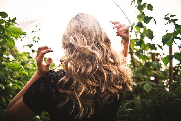 معرفی ۱۳ بالیاژ موی کوتاه که می توانید از آنها الهام بگیرید