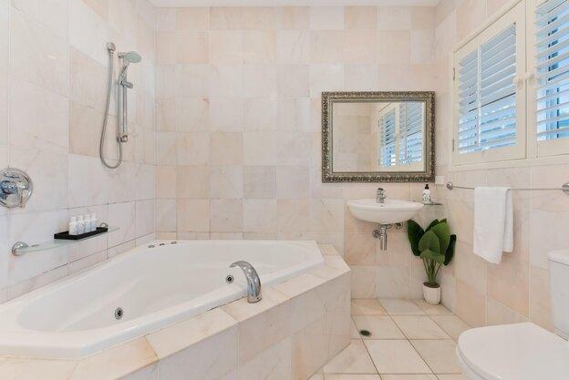 لیست کارهای خانه تکانی: نظافت حمام