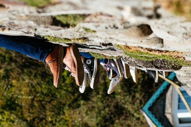 نحوه تمیز کردن سریع انواع کفش