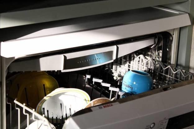 نحوه شستشوی ماشین ظرفشویی و دفعات انجام آن
