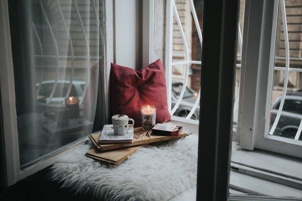 پنجره لولایی