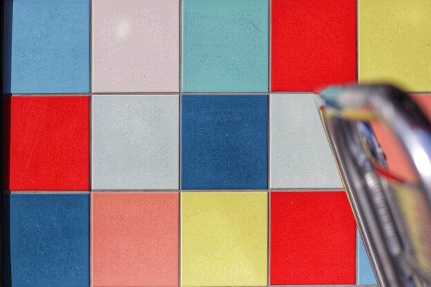آموزش نقاشی ساختمان: رنگ آمیزی روی کاشی و سرامیک