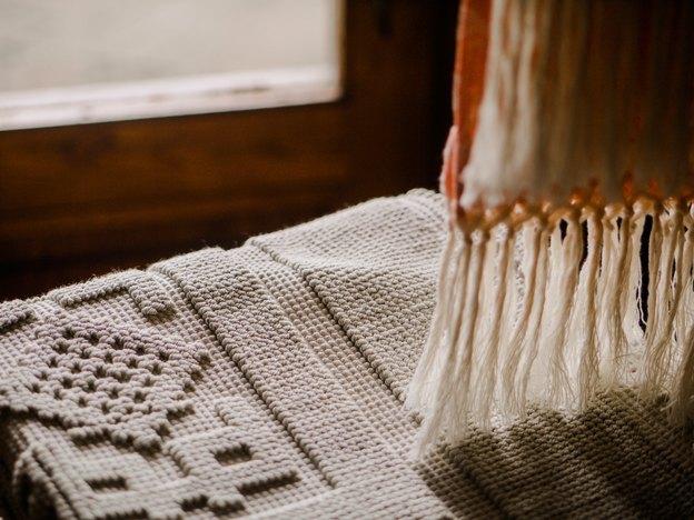 نحوه شستشو و نگهداری از رومیزی آنتیک نخی