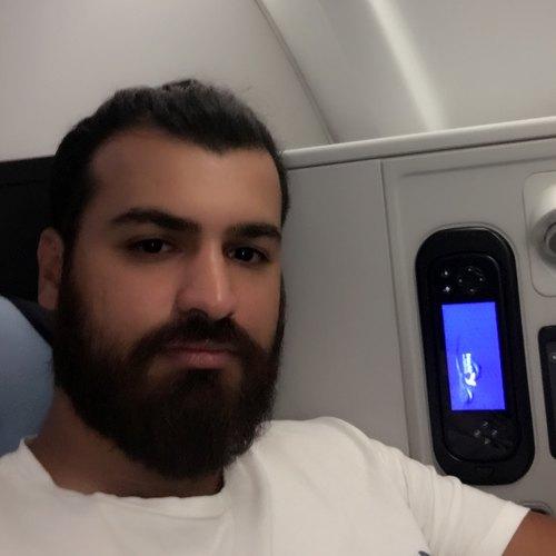 صادق بهمن