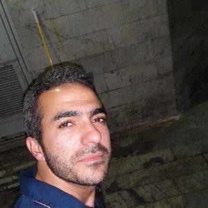 فاروق صادق زاده