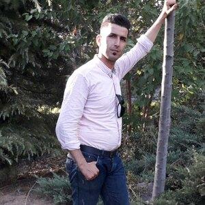 محسن یحیی آبادی