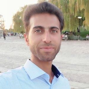 رضا کاشی زاده