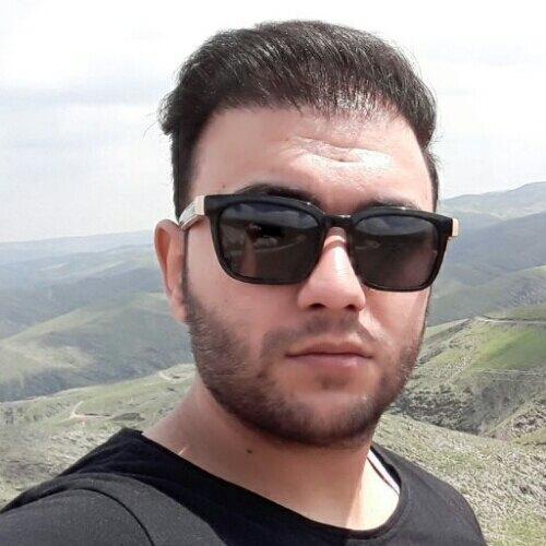 محمد حسینی ۰۹۱۵۸۰۳۰۱۵۸