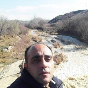 سعید آهنی