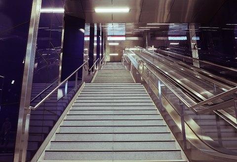 پله و نرده استیل